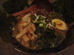 てっぺん黒こく黒麺.JPG