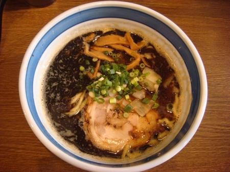 あらき外伝らー麺黒.jpg