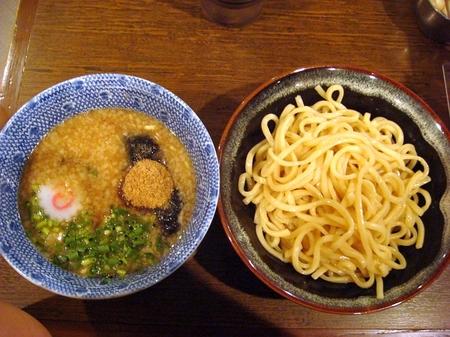 侍ラースク濃厚魚粉豚骨つけ麺.jpg