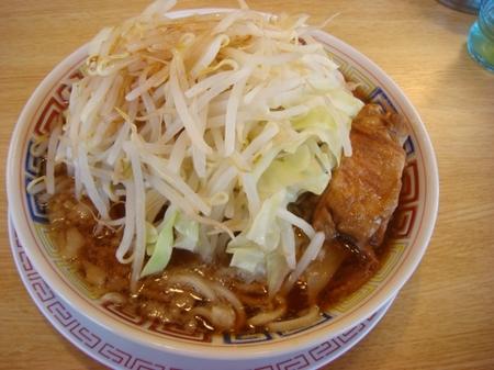 太一商店ラーメン野菜多め.jpg