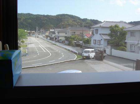 美味しんぼ山岡窓から見える風景.jpg
