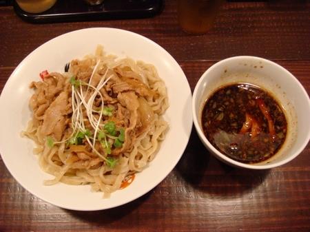 六代目けいすけ肉盛りつけ麺.jpg